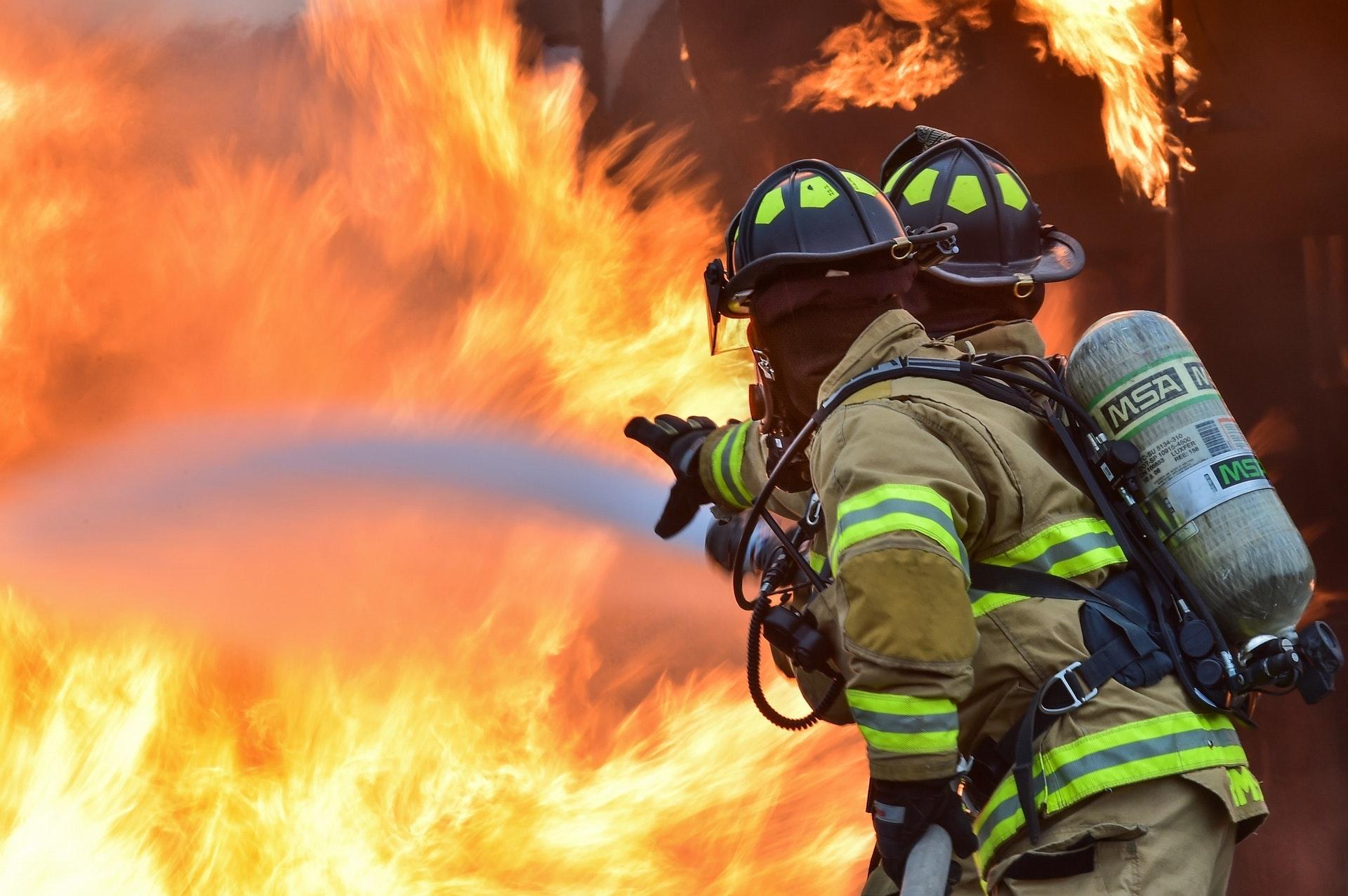 Brandsäkra genomföringar i olika väggkonstruktioner